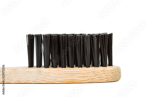 Cepillo de dientes con cerda negra