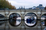 Barge under the pont Neuf bridge in Paris © hassan bensliman