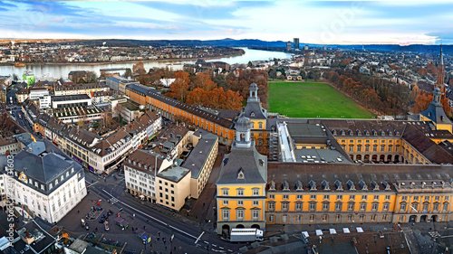 Luftbild der Stadt Bonn mit Universität