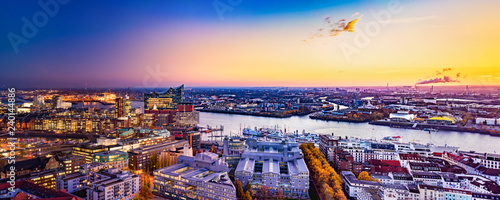 "Leinwanddruck Bild Panoramic aerial view of the harbor district, the concert hall ""Elbphilharmonie"" and downtown Hamburg, Germany, at dusk."