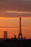 tour eiffel paris france symbole matin soleil orange ciel visiter voyage voyager © shocky