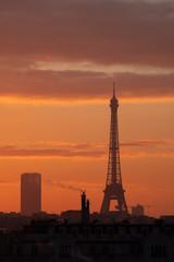 tour eiffel paris france symbole matin soleil orange ciel visiter voyage voyager