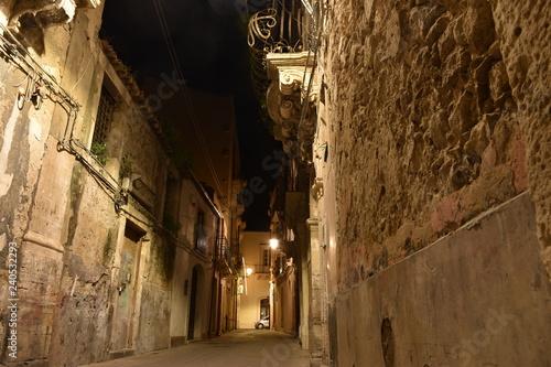 Di notte tra i vicoli di Ortigia, Siracusa-Sicilia