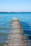 Pontile rotto su lago di Garda