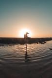 Chico en el agua