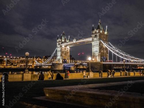 mata magnetyczna Tower Bridge