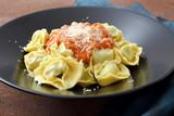 Pasta ripiena tortellini bolognesi condimenti vari