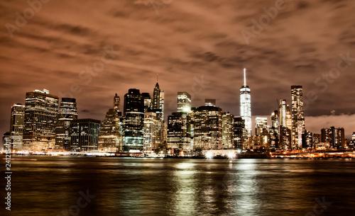 Foto Murales Manhattan skyline by night, New York City