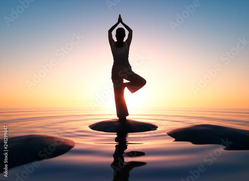Leinwanddruck Bild Yoga - Sonnenuntergang am Meer