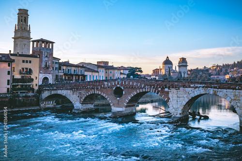Verona - 241364054
