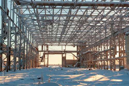 The skeleton of the steel structure of unfinished construction. - 241502425