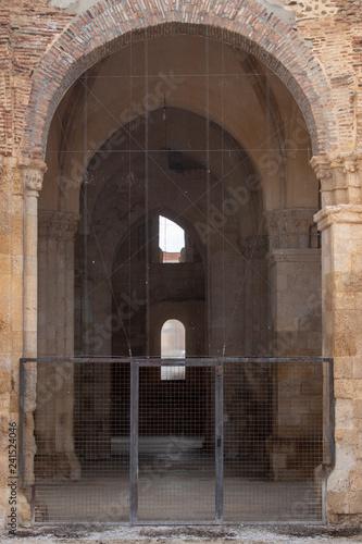 Entrada a excavaciones de antiguas ruinas romanas