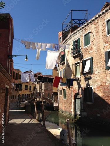Venedig_Waschtag - 241540404