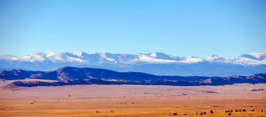 Colorado Plains and Mountains © Tomasz Zajda
