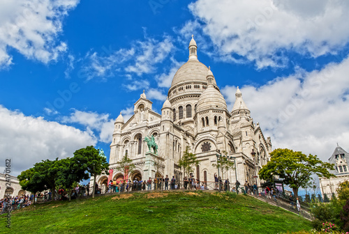 Wall mural Sacre Coeur on the Montmartre Hill