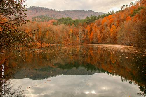 mata magnetyczna seven Lakes National Park, Autumn, Turkey
