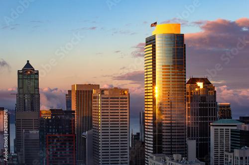 Foto Murales Sunrise over downtown of Seattle, WA