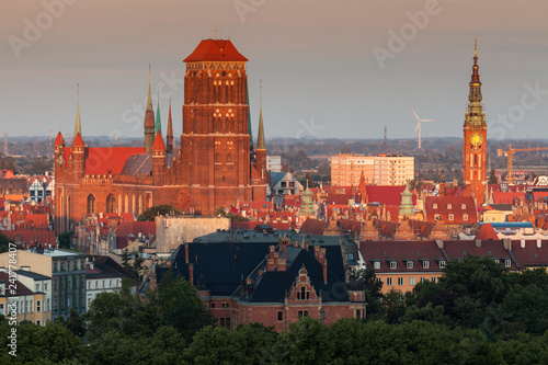 obraz lub plakat Panorama of Gdansk at sunset