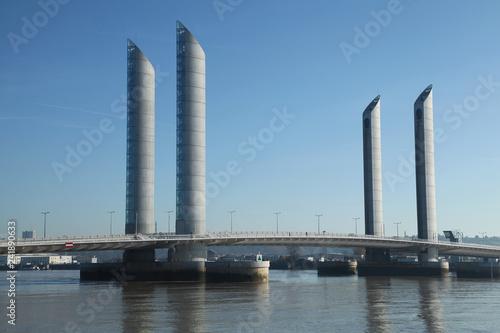 Pont Chaban-Delmas à Bordeaux - 241890633