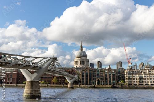 Foto Murales Die Brücke