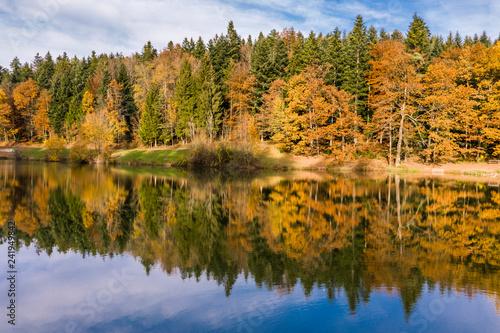 Luftaufnahme, Eisenbachstausse im Herbst, Schwäbischer Wald,  Rems-Murr-Kreis, Baden Württemberg, Deutschland