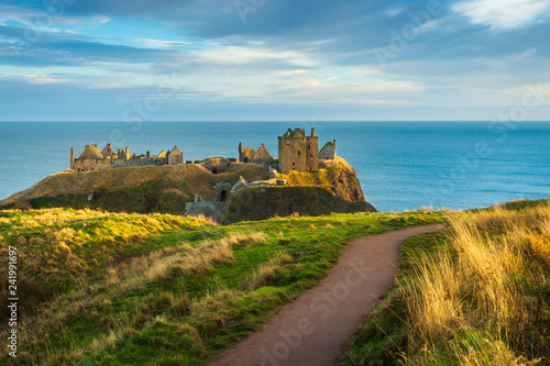 Dunnottar Castle and Coastal Path