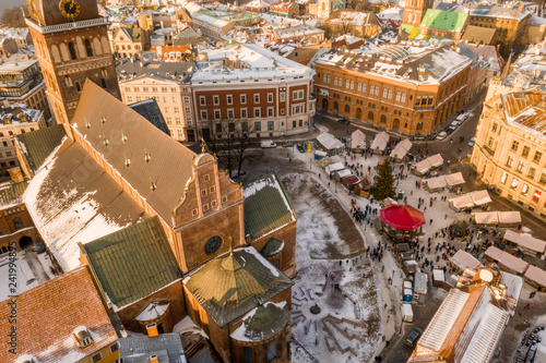 mata magnetyczna Riga old town aerial view during winter day.