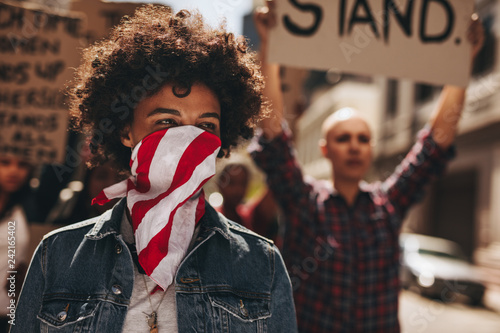 Leinwanddruck Bild Silent protest women's march