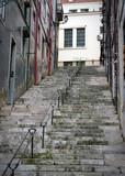 Fototapeta Na drzwi - Narrow street of Lisobon © Slavko Slavcic