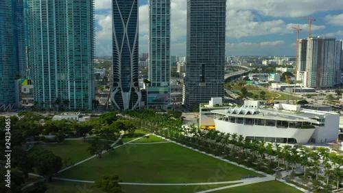 mata magnetyczna 4k stock footage of Downtown Miami 2018
