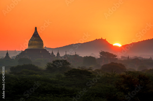 Sunrise Bagan Myanmar with temple`s and pagoda`s, temple pagoda sunset Myanmar Bagan