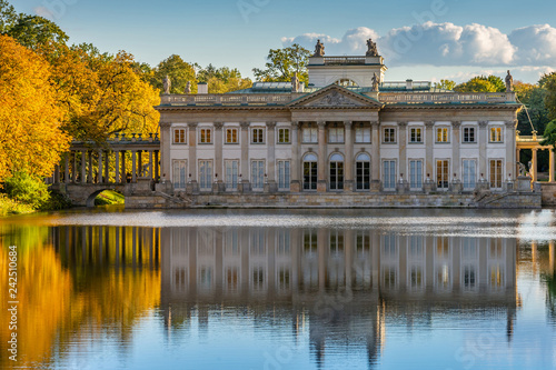 Fototapety, obrazy : Royal Lazienki Park in Warsaw, Palace on the water, Poland