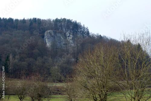 Totenstein von Veilbronn aus gesehen - 242527649