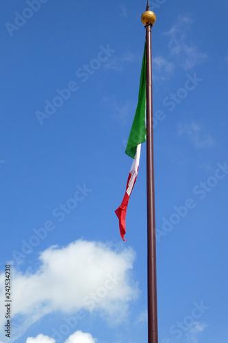 Italienische Flagge - 242534230