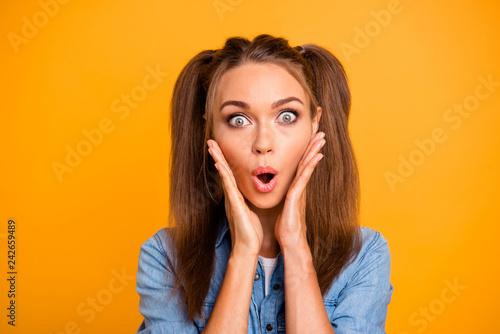 Leinwandbild Motiv Close up photo of shocked amazing brunette she her lady pretty h