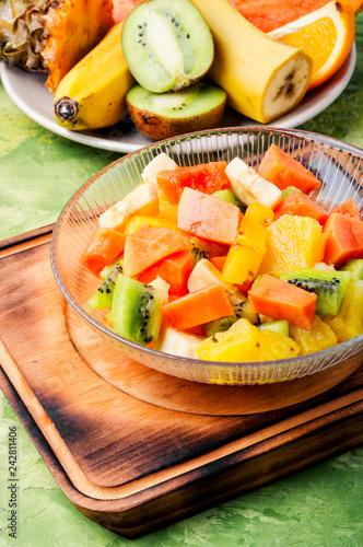 Foto Murales Mixed fruit salad in the bowl