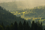 Fototapeta Na ścianę - Promienie słońca nad wzgórzami © Kajetan