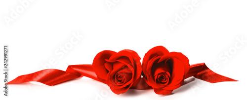 Leinwandbild Motiv Red Roses and ribbons