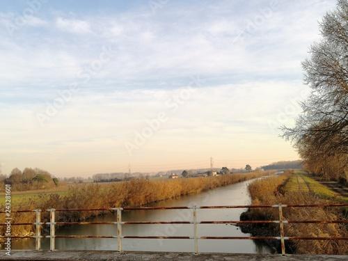 fiume canale paesaggio