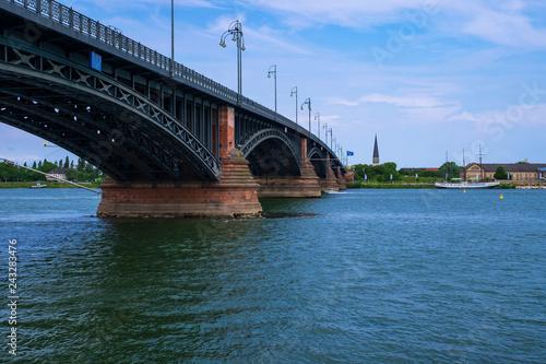 Foto Murales Brücke über den Rhein bei Mainz und Wiesbaden