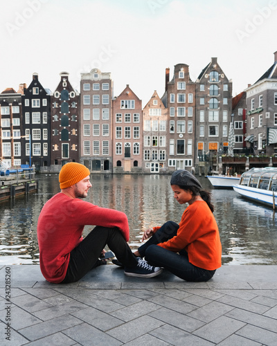 Wall mural couple Amsterdam city Valentine concept