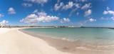 Zatoka z piękną piaszczystą plażą