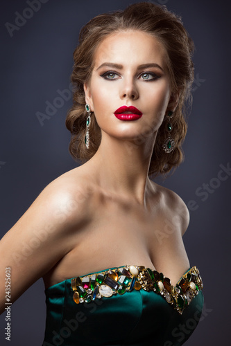 Fashion Model Beauty Makeup, Glamour Woman Portrait, Beautiful Jewelry Hairstyle and Makeup