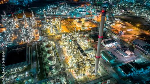 Leinwandbild Motiv Twilight of oil refinery ,Oil refinery and Petrochemical plant at dusk