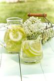Infusion of fresh elderflowers with lemon - 243931407