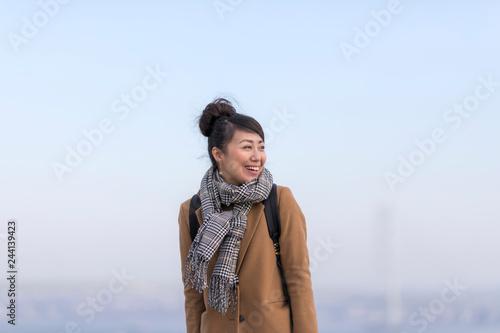 Poster 旅行を楽しむ女性