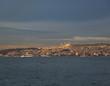 canvas print picture - Blick über den Bosporus auf eine große Moschee