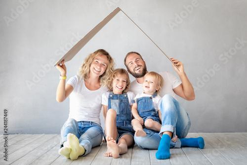 Leinwandbild Motiv Family New Home Moving Day House Concept