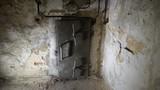 Schron przeciwlotniczy - drzwi gazoszczelne