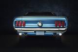 Mustang Ford Oldtimer - classic Car (blaues Auto mit Hintergrund schwarz) Studio